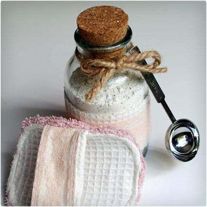 Spa Scrubbie and Bath Tea Soak
