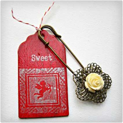 Stamped-Wooden-Gift-Tags