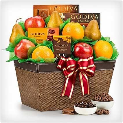 Fresh-Fruit-and-Godiva-Chocolates