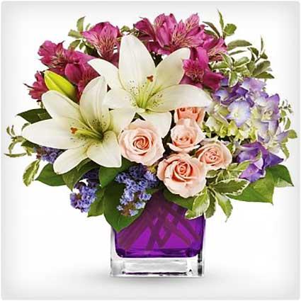 Garden-Lily-&-Rose-Bouquet