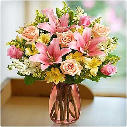 Mother's-Embrace-Bouquet
