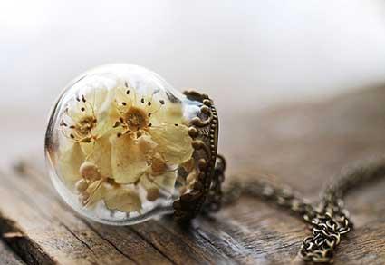 Real-Plant-Irish-Hawthorne-Necklace
