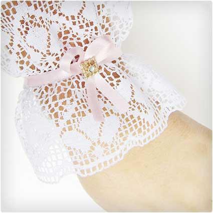 DIY-Lace-Wristlet