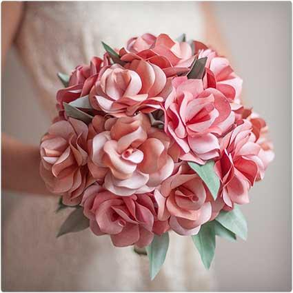 DIY-Paper-Rose-Wedding-Bouquet