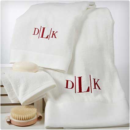Monogram-Embroidered-Bath-Towel-Set