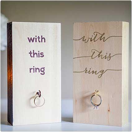 Wooden-Ring-Holder