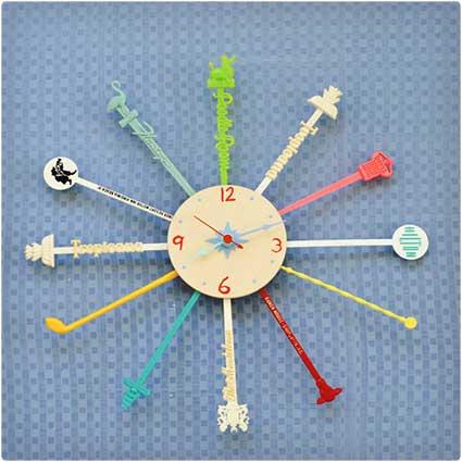 Cocktail-Stirrer-Clock