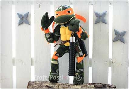 Ninja-Turtle-Sock-Puppets