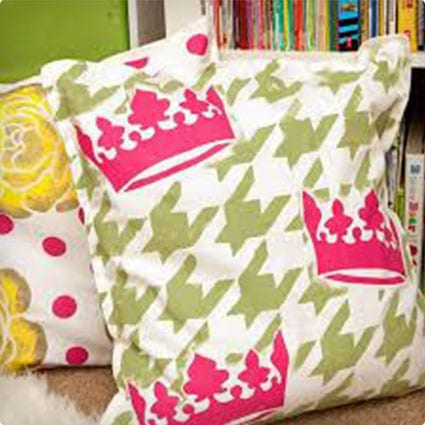 DIY Stencilled PIllows