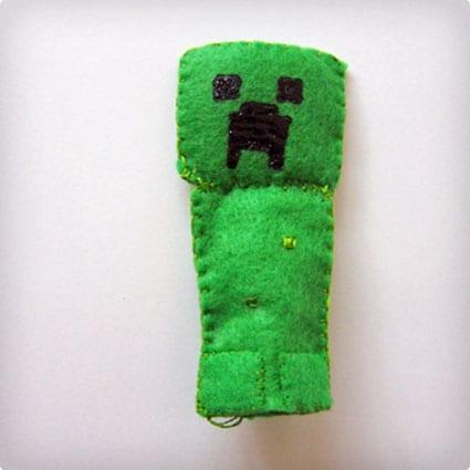 Creeper Finger Puppet
