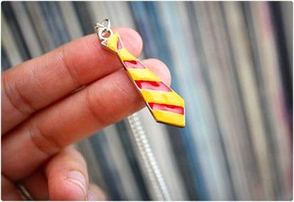 Gryffindor Necklace DIY