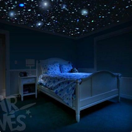 Glow in the dark stars room idea - DIY Star Ceiling