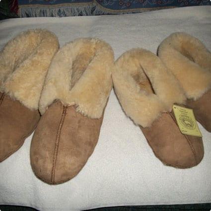 Handcrafted Men's Sheepskin Slippers