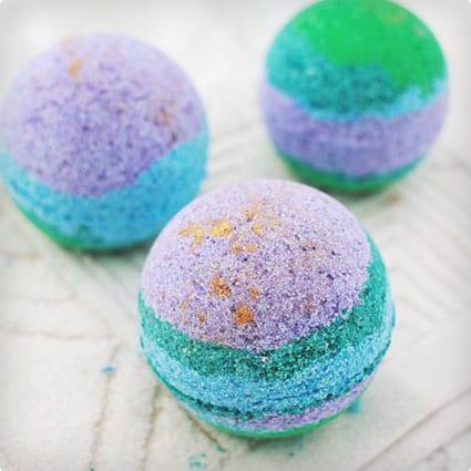 DIY Rainbow Gold Lustre Bath Bombs