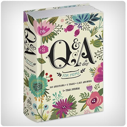 Q&A a Day for Moms 5-Year Journal