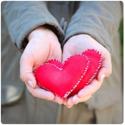 Diy Felt Heart Hand Warmers