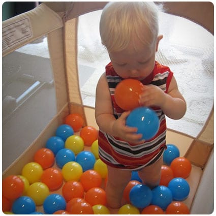 Diy Create an Easy Ball Pit at Home