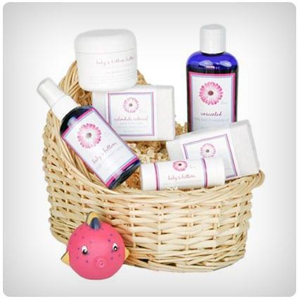 Deluxe Baby's Gift Basket