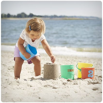 Melissa & Doug Seaside Sidekicks Nesting Sand Pails
