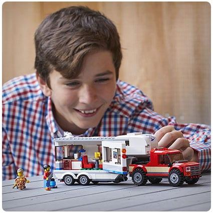 LEGO City Pickup & Caravan Building Kit