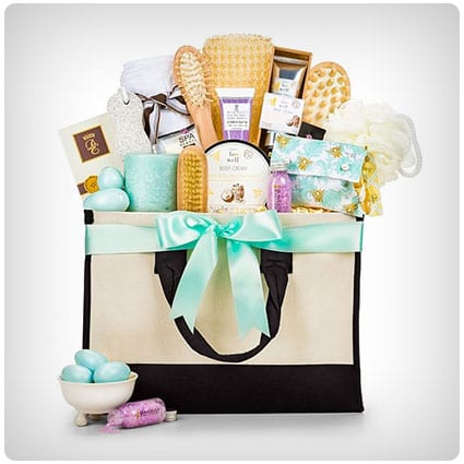 39 Must Have Luxury Gift Baskets For Women