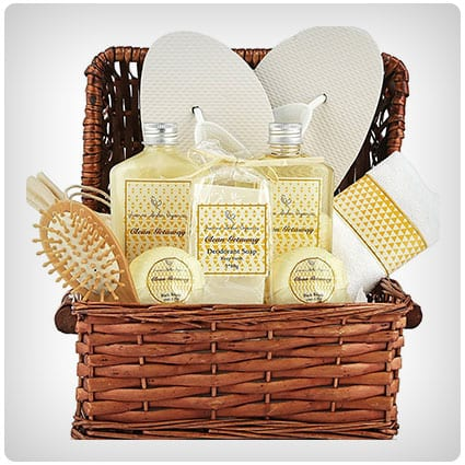 Tropical Islands Clean Getaway Spa Basket