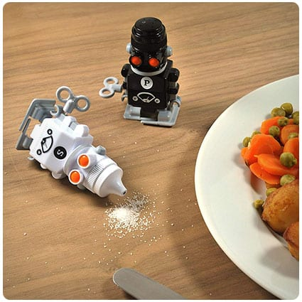 Wind-up Robot Salt & Pepper Shakers
