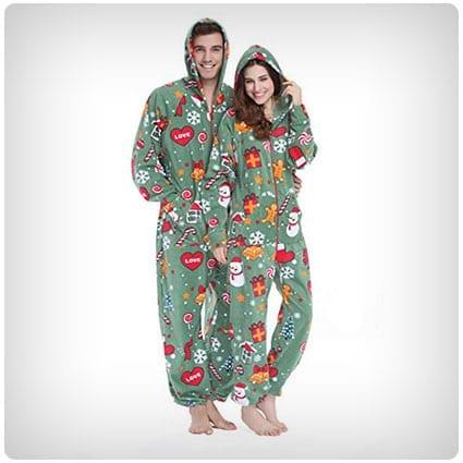 27 Hilarious Christmas Pajamas for Weird Families - Dodo Burd 14ecbbf1a