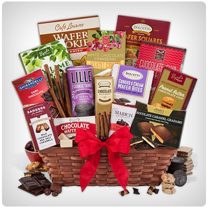 40 Best Gourmet Valentine S Gift Baskets For Him And Her Yum Dodo Burd
