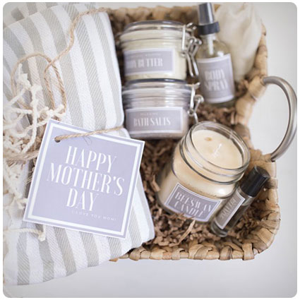 Handmade Mom Gift Basket with Free Printable Labels