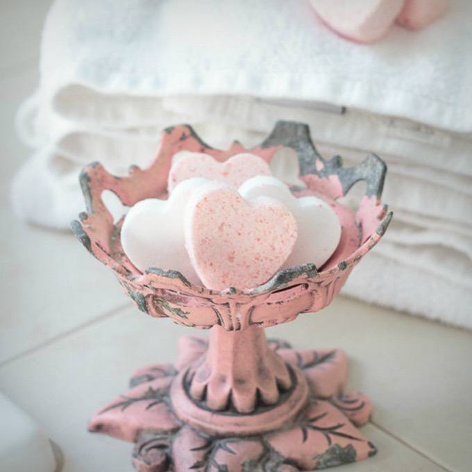 Homemade Valentine Bath Bombs